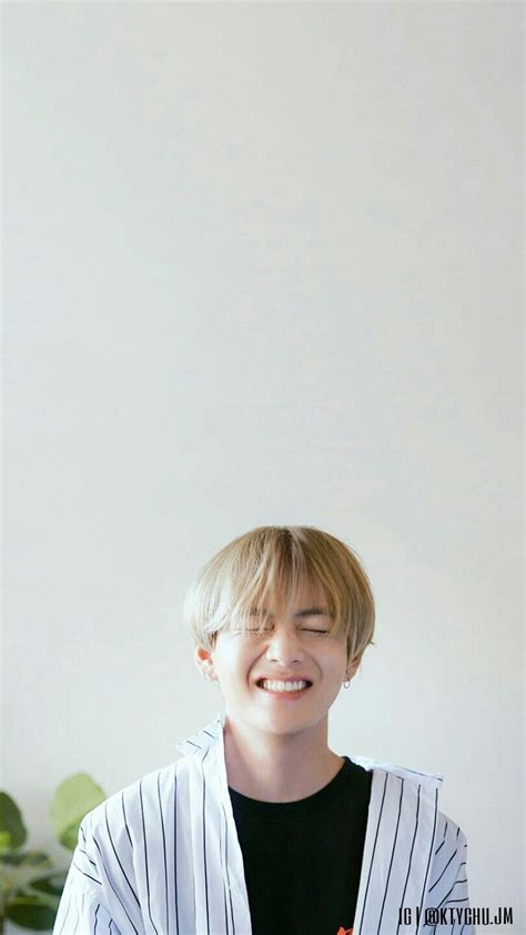 We have 80+ background pictures for you! Bts V Wallpaper - Kim Taehyung (#23218) - HD Wallpaper & Backgrounds Download