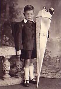 Kind Mit Schultüte : die schult te im wandel der zeiten und inhalte sie hilft ~ Lizthompson.info Haus und Dekorationen
