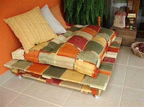 Patio Sets Under 10000 by Diy Make Your Own Rustic Sofa From Used Shipping Pallets