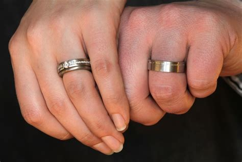 if a woman has a ring ring finger but it doesn t like a typical engagement ring