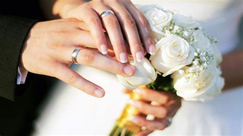 hands wedding rings bouquet roses hd wallpaper