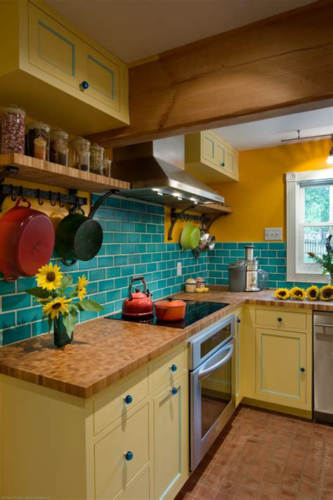 fixing kitchen cabinets 19 inexpensive ways to fix up your kitchen photos huffpost 3763