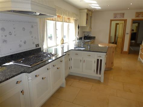paint for kitchen cabinets uk wilkinson kitchens painted kitchens furniture 7290