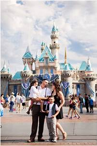 Disneyland Family Photographer | Just Maggie Photography