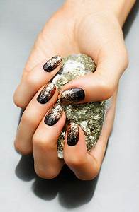 Nails, Black gold and Gold on Pinterest