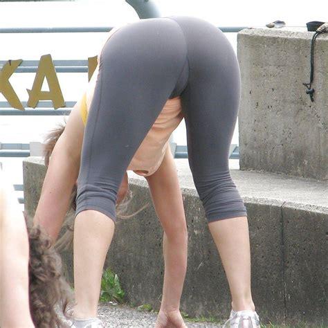 Teen Yoga Pants Striptease