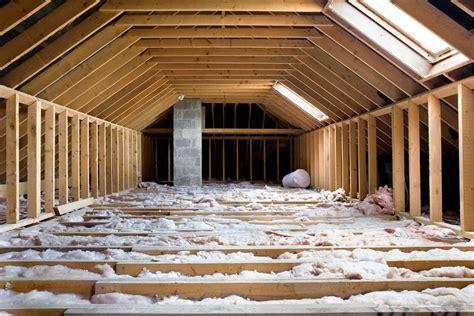 brico r 233 aliser l isolation thermique de la toiture d une