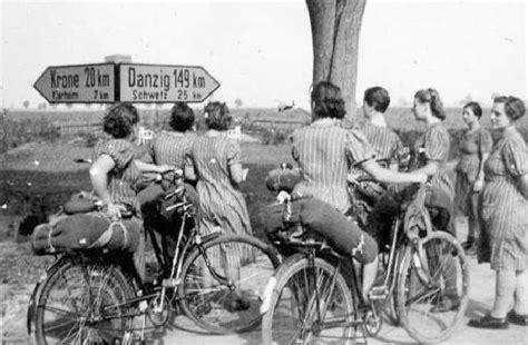German Hitler Youth Girl Girls Bund Deutscher Maedchen Bdm Activities