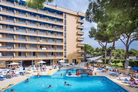 hotel playa park salou costa dorada   beach