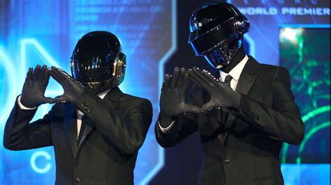 Daft Punk : une rare vidéo des deux artistes sans leurs ...