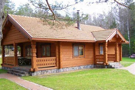 desain rumah kayu sederhana hunian rumah mungil