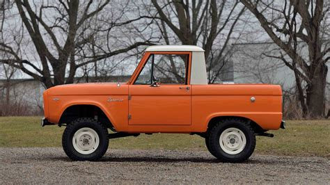 ford bronco   cab  indy