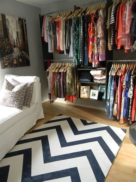 turn a spare bedroom into a walk in closet sitting