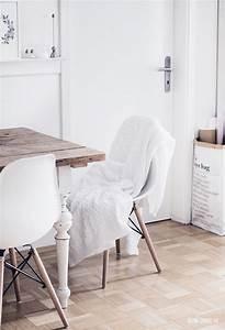 Stühle Im Eames Stil : rustikales wei es wohnzimmer im maritim stil ~ Indierocktalk.com Haus und Dekorationen