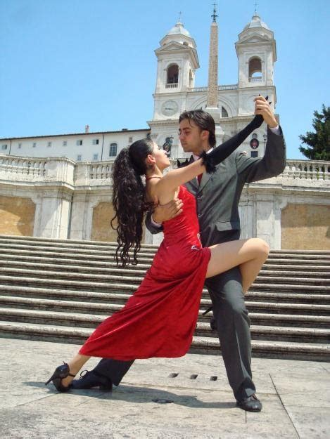 Spanish in BA: It takes two to dance Tango ( in Buenos Aires)