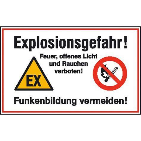 offenes feuer auf eigenem grundstück hinweisschild betriebskennzeichnung explosionsgefahr feuer offenes licht und rauchen