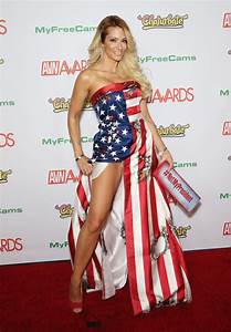 Adult Film Star Jessica Drake Protested Trump at Porn Oscars