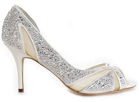 Wedding Shoes : Choose The Perfect Wedding Shoes For Bride