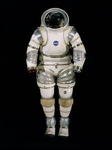 A history of the spacesuit - Macleans.ca