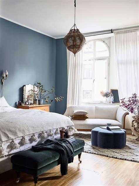 eclectic feminine home     smitten