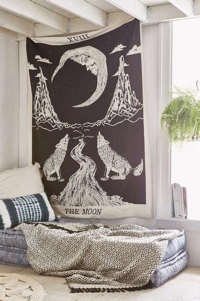 Bedroom Tapestry Uo by Best 20 Hanging Tapestry Ideas On Tapestry