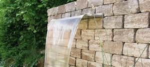 Steinmauer Mit Wasserfall : wasserfall im garten formsch ne nahaufnahme wasserfall mauer steinmauer inspiration und ~ Markanthonyermac.com Haus und Dekorationen