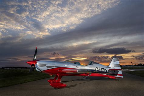 eaa airventure oshkosh   extra
