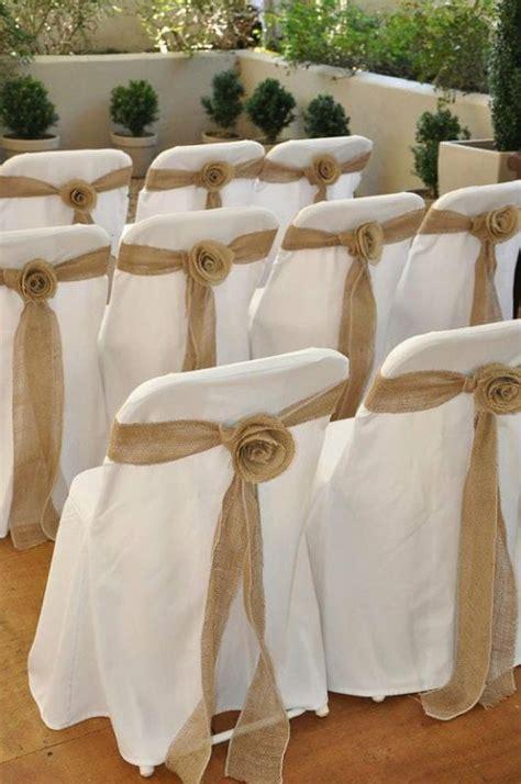 couvre chaise mariage 1000 idées sur le thème housses de chaises sur