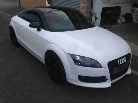 audi tt white  tfsi bhp turbo  black edition car