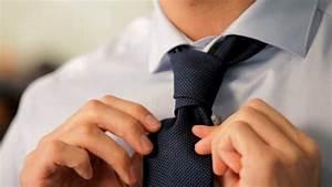 Comment Mettre Une Cravate : comment nouer une cravate et combien de types de noeuds ~ Nature-et-papiers.com Idées de Décoration