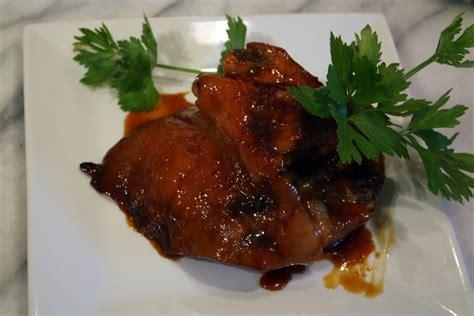 cuisiner jarret de porc jarret de porc laqué au miel et aux agrumes par mamy