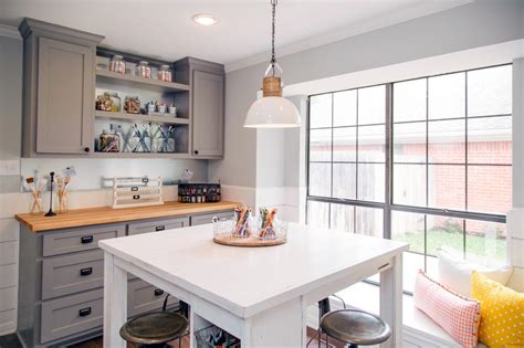 Schip Family Office by Photos Hgtv S Fixer Upper With Chip And Joanna Gaines Hgtv