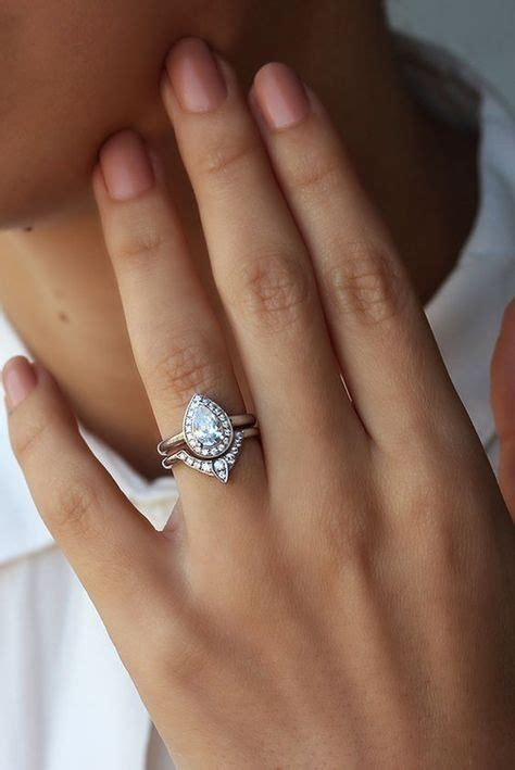 these are the engagement rings you ll be seeing in 2018
