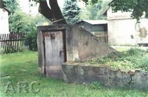 Kalkanstrich Auf Holz : sobibor fotos ~ Markanthonyermac.com Haus und Dekorationen