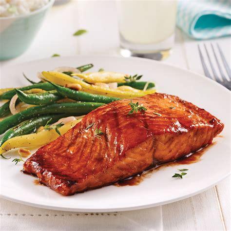 cuisine au barbecue filet de saumon sauce barbecue au vinaigre balsamique