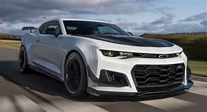 2019 Chevrolet Camaro ZL1 1LE Breaks Cover With Old Face