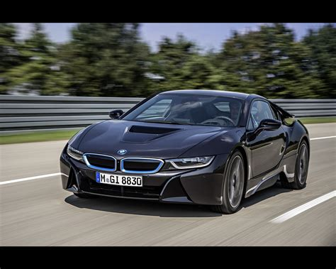 bmw i8 plug in hybrid sports car 2013