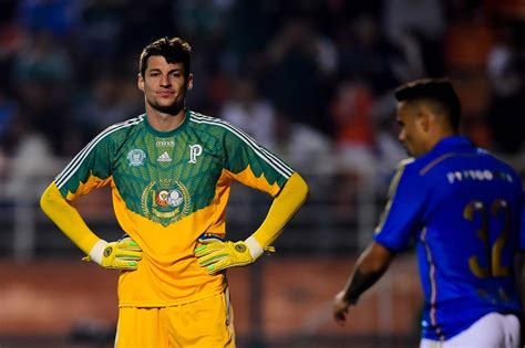 Notícias e informações sobre palmeiras. Relembre: 5 goleiros que decepcionaram com a camisa do Palmeiras - Gazeta Esportiva