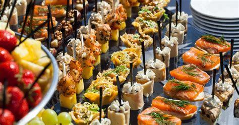 apero dinatoire idée pr 233 parer un buffet id 233 es recettes et conseils pour r 233 aliser de d 233 licieux buffets
