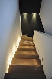 Wandeinbauleuchten Für Treppen : holzstufen mit indirekter beleuchtung und ~ Watch28wear.com Haus und Dekorationen