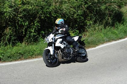 Review Benelli Bn 600 by Benelli Bn600 2014 On Review Mcn