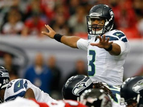 russell wilson   close  signing   contract