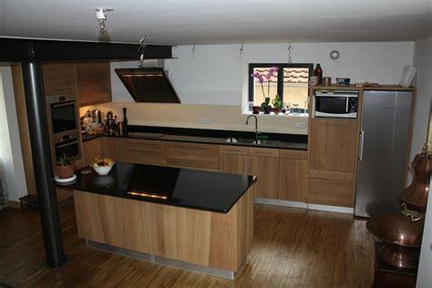 cuisine et bois cuisine en bois et marbre noir wraste com