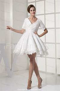 Short beach wedding dresses with sleeves sangmaestro for Short white wedding dress with sleeves