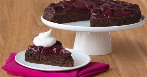 Low-Calorie Flourless Black Forest Cake Recipe | Hungry Girl