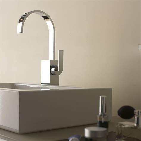 Dornbracht Bathroom Sink Faucets by Dornbracht S Sleek Mem Faucet A Flat Spout Fancy
