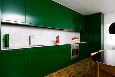 emerald green kitchen enzy living pantone announces 2013 color of the year emerald 3561