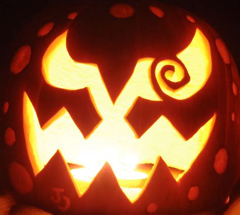 cool  easy pumpkin carving ideas  halloween day