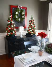 the yellow cape cod holiday home series christmas dining room on a dime