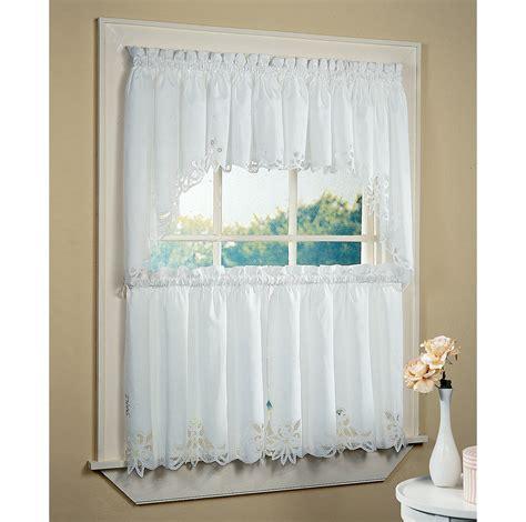 curtains for bathroom window ideas bathroom windows curtain ideas 4605